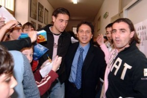 Leandro Rinaudo e Giovanni Tedesco durante l'incontro del marzo 2006 alla scuola Alberico Gentili (foto tratta dall'archivio del Giornale di Sicilia)